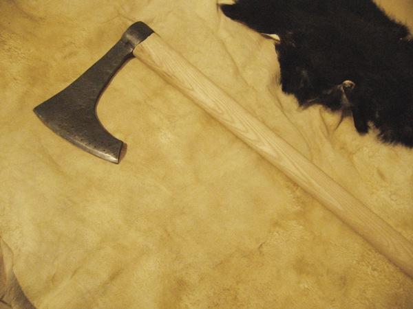 Těžká sekera - viking
